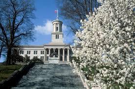 TN State Capitol Bldg. amid Bradford pear tree blooms